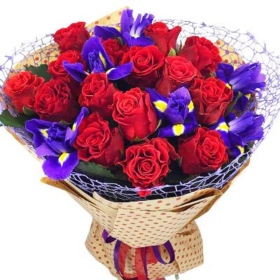 Картинки по запросу букет троянд
